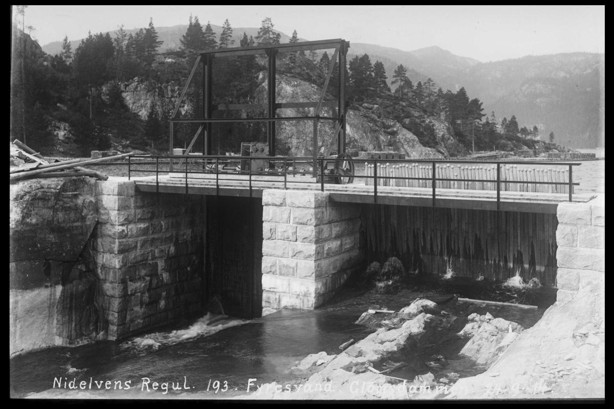 Arendal Fossekompani i begynnelsen av 1900-tallet CD merket 0565, Bilde: 34 Sted: Fyrisvann Beskrivelse: Regulering Glomsdammen