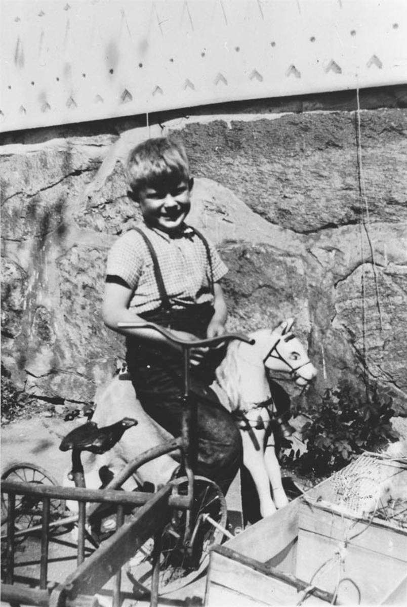 Christian Sundby, sønn til eier på Rullestad.