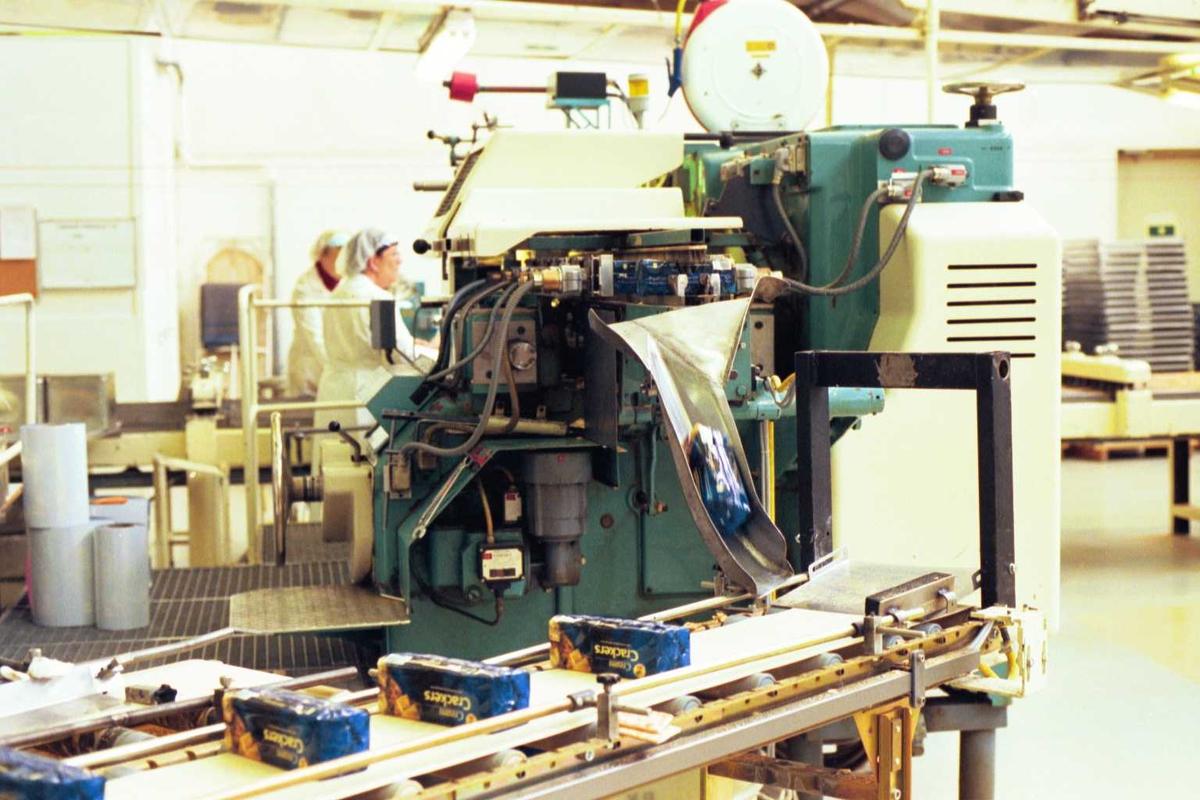 Cream Cracker, pakkemaskin, arbeider, kvinne, fabrikkmiljø