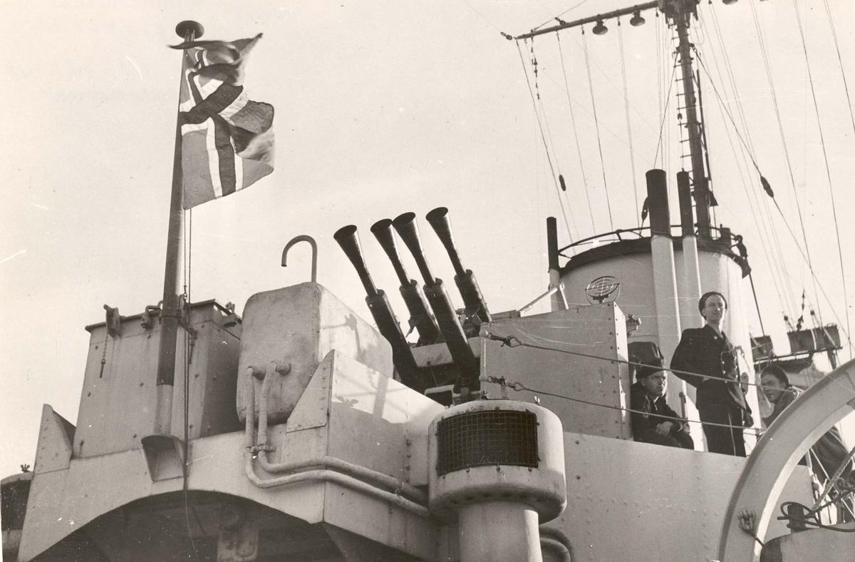"Jageren  ""Glaisdale"" , livet om bord under 2. VK. Luftvernkanon"