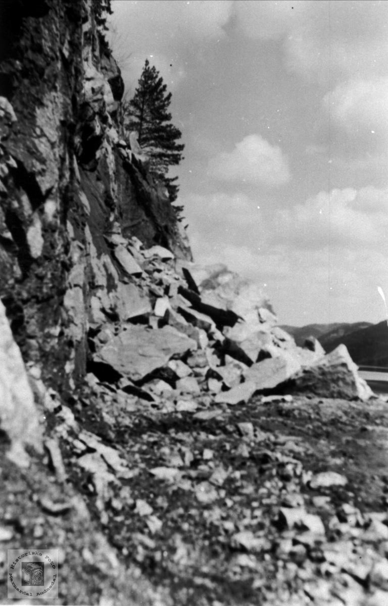 Ras på riksvegen i Strædet fjellan i 1969/70
