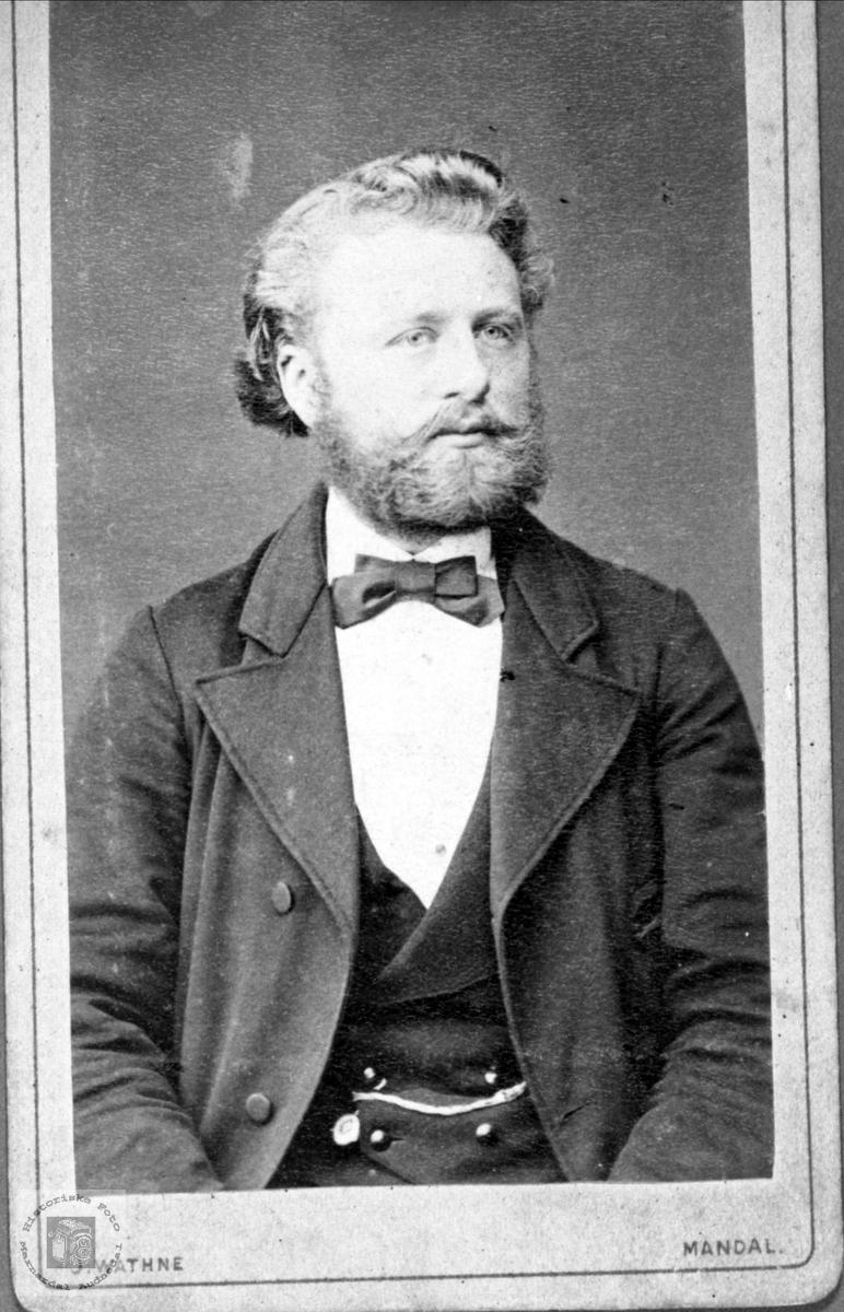 Portrett av Gunnar Heddeland, Øyslebø.