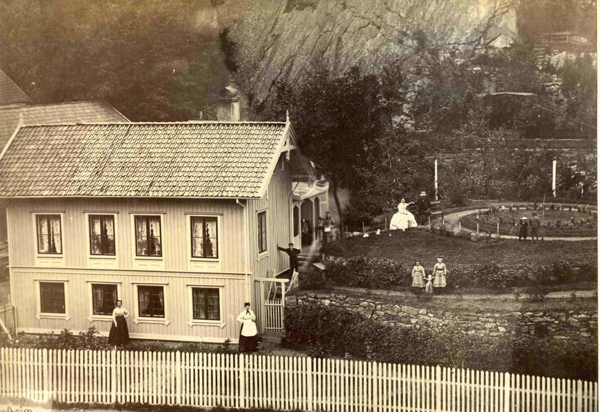 Fra John Ditlef Fürst album. Byggmester Reuters eiendom mellom Bendixkleiv og Barbukleiv - 1800 tallet - AAks 44 - 4 - 7 Bilde nr 119