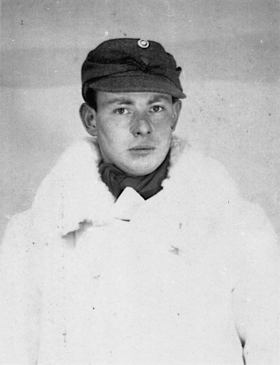 Oskar Milli. Tatt til fange i Finland under Finlandskrigen. Deltok i kampene. Var maskingeværskytter.