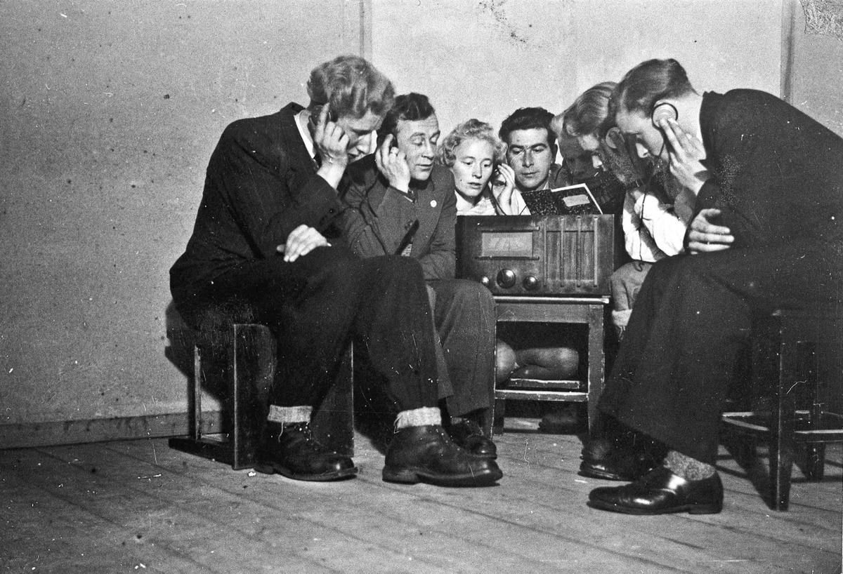 Ulovlig lytting på radio.