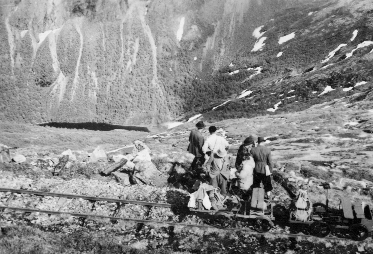 Utflukt med dressin på Aurabanen