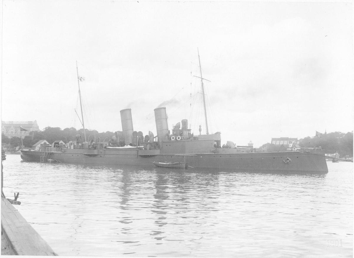 """Svensk torpedojager """"Tailander"""""""