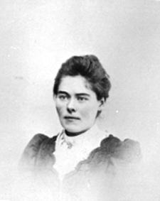 PORTRETT: GURINE OLSEN FØDT: 1880, DØD: 1905, DATTER AV KARL OLSEN, MØYSTAD FØDERÅD